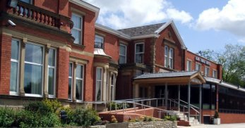 Alma Lodge Hotel - Hotels/Accommodations - Buxton Road, Stockport, ENGLAND, SK2 5, GB