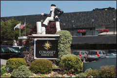 Cohasset Harbor Resort - Cohasset Harbor Hotel (closest to reception) - 124 Elm St, Norfolk, MA, 02025, US