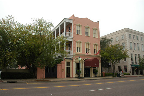 Meeting Street Inn - Hotels/Accommodations - 173 Meeting St, Charleston, SC, USA