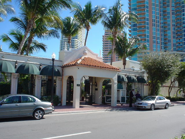 Joe's Stone Crab Restaurant - Restaurants - 11 Washington Ave, Miami Beach, FL, United States