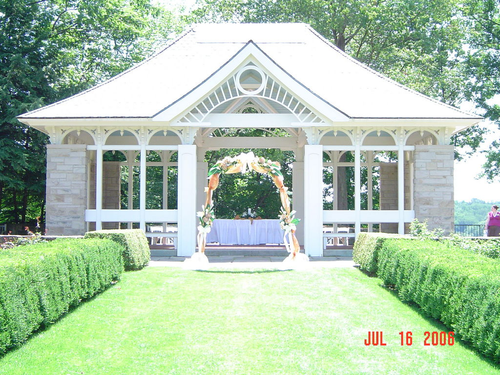 Mill Creek Metroparks: Fellows Riverside Gardens - Ceremony Sites, Attractions/Entertainment, Reception Sites, Rehearsal Lunch/Dinner - 123 McKinley Avenue, Youngstown, OH, United States
