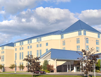Ramada Inn Geneva Lakefront - Hotels/Accommodations, Reception Sites - 41 Lake Front Dr, Geneva, NY, United States