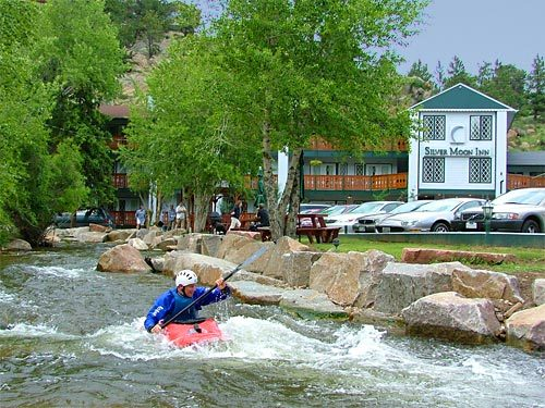 Silver Moon Inn - Hotels/Accommodations - 175 Spruce Drive, Estes Park, CO, United States