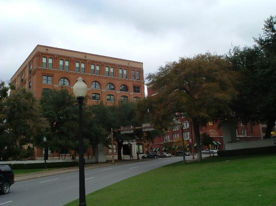 Sixth Floor Museum At Dealey - Attractions/Entertainment - 411 Elm St, Dallas, TX, 75202, US