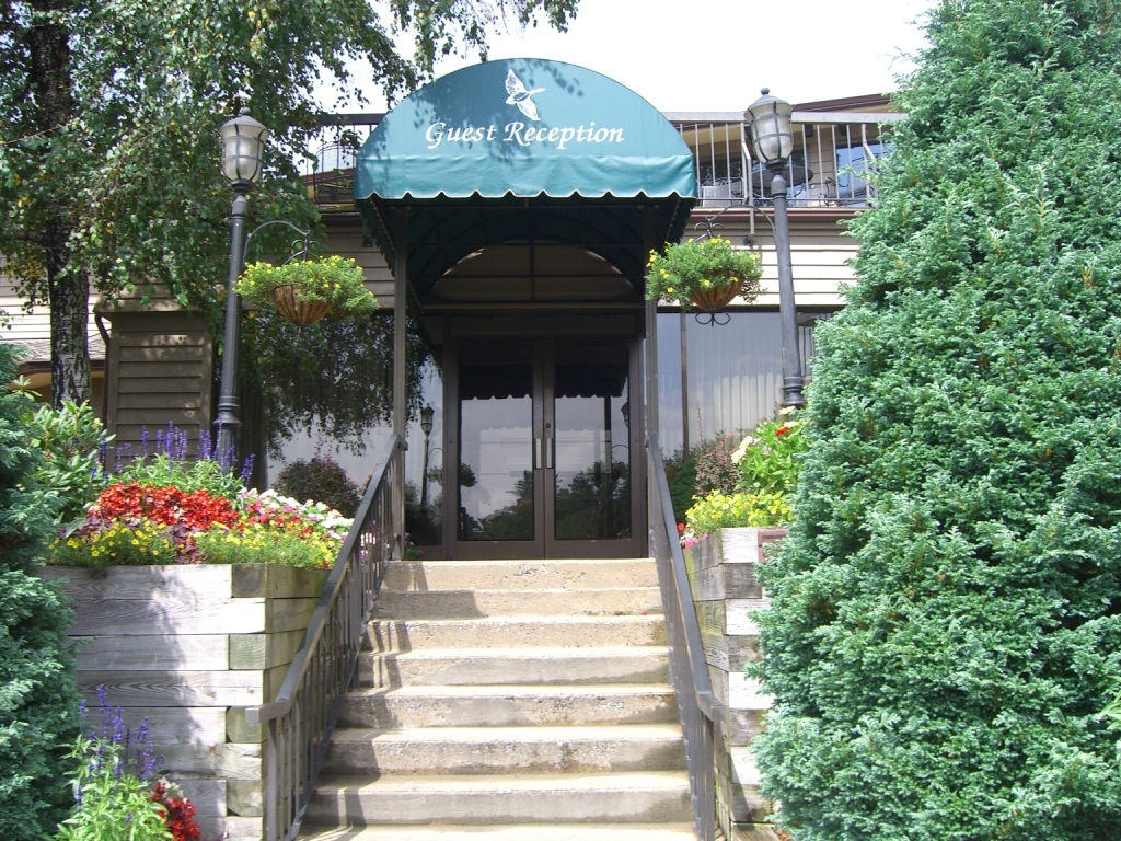 Chetola Mountain Resort - Hotels/Accommodations - 500 Main St, Blowing Rock, NC, 28605, US