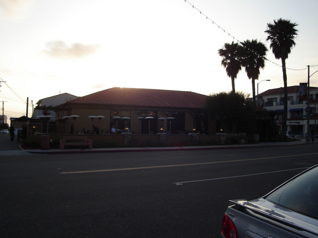 H T Grill - Bars/Nightife, Attractions/Entertainment, Restaurants - 1701 S Catalina Ave, Redondo Beach, CA, USA