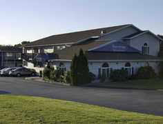 Travelodge - Middletown - Hotel - 1185 West Main Road, Middletown, RI, USA