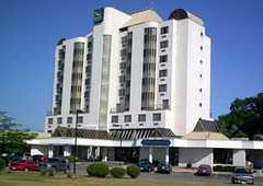 Quality Suites - Hotel - 754 Bronte Road, Oakville, Ontario, L6L 6R8, Canada