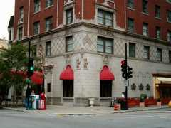 Red Roof Inn - Hotel - 162 E Ontario St, Chicago, IL, United States