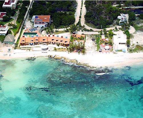 Carousel Resort - Hotels/Accommodations -