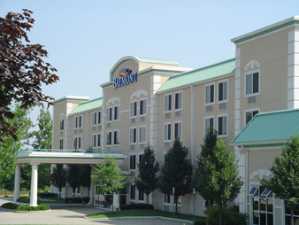 Baymont Inn & Suites, Walker - Hotels/Accommodations - 2151 Holton Ct NW, Walker, MI, 49544