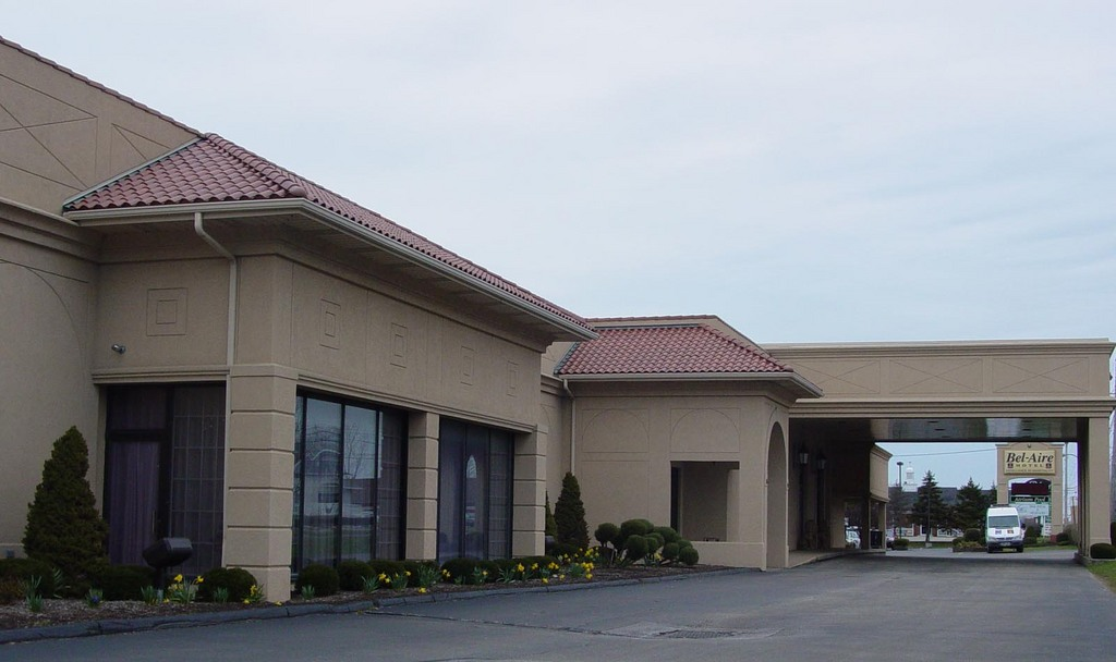 Bel-aire Clarion Hotel & Conference Center - Hotels/Accommodations, Reception Sites - 2800 W 8th St, Erie, PA, 16505