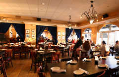 Giorgios Grill - Restaurants - 606 N Ocean Dr, Hollywood, FL, United States