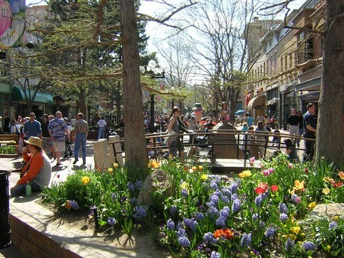 Historic Downtown Boulder & Pearl Street Mall - Attractions/Entertainment, Shopping - Pearl St, Boulder, CO, US