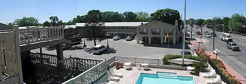 Sunday House Inn & Suites - Hotels/Accommodations - 501 East Main Street, Fredericksburg, TX, United States