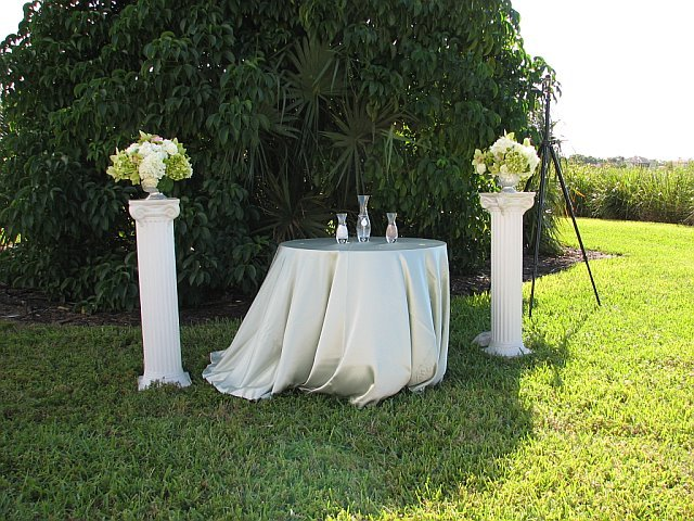 Volunteer Park Community Center - Ceremony Sites, Reception Sites - 12050 W Sunrise Blvd, Plantation, FL, United States
