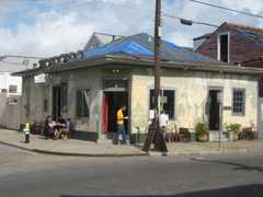 Faulkner House Books - Coffee Shop - 624 Pirate Alley, New Orleans, LA, United States