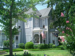 Manor of Time Bed & Breakfast - Bed and Breakfast  - 121 W Bluff St, Granbury, TX, United States
