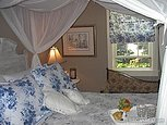Country Living B&b - Hotels/Accommodations - Orono, ON