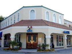 Locos Grill & Pub - Bars/Nightife, Restaurants - 2463 Demere Rd # 101, St Simons Island, GA, United States
