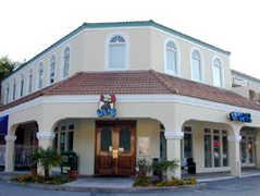 Locos Grill & Pub - Bar - 2463 Demere Rd # 101, St Simons Island, GA, United States