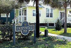 Driftwood Inn - Hotel - 2105 Hwy 98, Mexico Beach, FL, 32456, United States