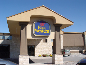 Best Western Beacon Harbourside Inn & Conference Centre - Hotels/Accommodations - 2793 Beacon Boulevard, Jordan, ON, Canada