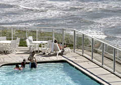 Pismo Lighthouse Suites - Hotel - 2411 Price St, Pismo Beach, CA, United States