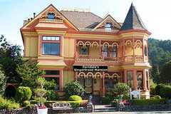 Gingerbread Mansion - Hotel - 400 Berding St, Ferndale, CA, United States