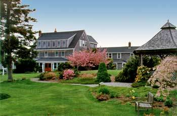 The Bradley Inn - Hotels/Accommodations, Reception Sites - 3063 Bristol Rd, ME, 04554