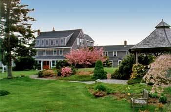 The Bradley Inn - Hotels/Accommodations, Reception Sites - 3063 Bristol Rd, ME, 04554