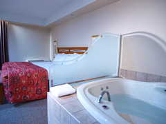 Executive Royal Hotel - Hotel - 2828 23rd Street NE, Calgary, Alberta, T2E 8T4, Canada