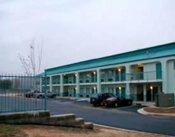 Econo Lodge - Hotels/Accommodations - 1930 McFarland Blvd, Northport, AL, 35476, United States