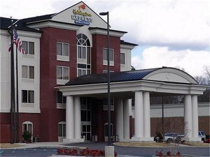 Holiday Inn Express - Hotels/Accommodations - 1120 Veterans Memorial Pkwy, Tuscaloosa, AL, 35404