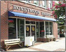 Honeymoon Bakery - Cakes/Candies, Restaurants - 228 Broad St, Rome, GA, United States