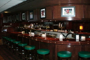 Wellington Pub - Restaurants - 44819 Hayes Rd, Sterling Heights, MI, United States