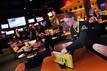 Buffalo Wild Wings Grill & Bar - Restaurants - 44671 Mound Rd, Sterling Heights, MI, United States