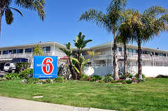Motel 6: Beach - Hotel - 443 Corona Del Mar, Santa Barbara, CA, USA