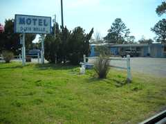 Dixie Belle Motel - Hotel - 3155 West Highway 98, Port Saint Joe, FL, United States