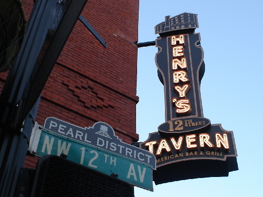 Henry's 12th St. Tavern - Attractions/Entertainment, Restaurants - 10 Northwest 12th Ave., Portland, OR, 97209