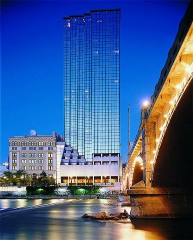 Amway Grand Plaza Hotel - Reception Sites, Ceremony Sites - 187 Monroe Avenue NW, Grand Rapids, MI, United States