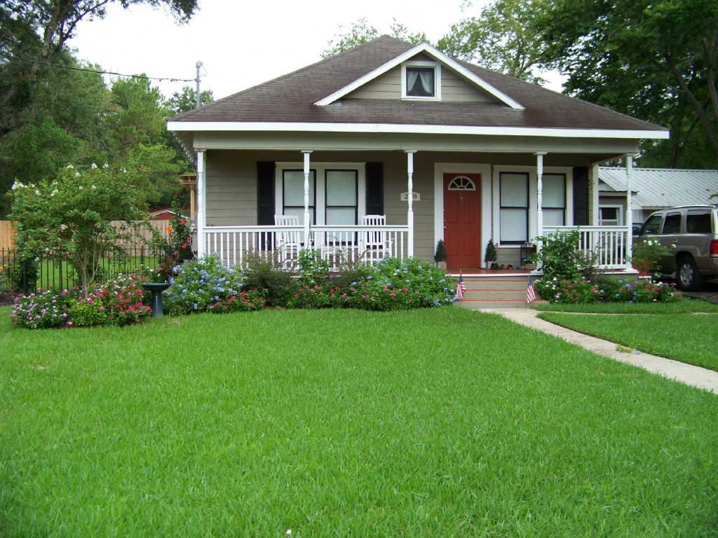 Home Of Mr. & Mrs Kirk Autry - Ceremony Sites, Reception Sites - 208 W Simons St, Edna, TX, 77957