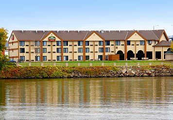 Courtyard By Marriott - Hotels/Accommodations - 500 Front Street S, La Crosse, WI, United States