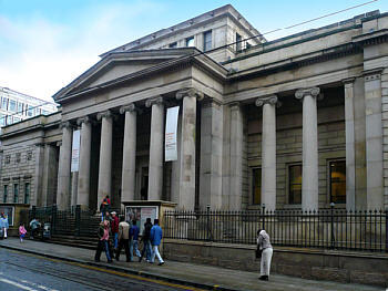 Manchester Art Gallery - Attractions/Entertainment - Mosley St, Manchester, England, GB