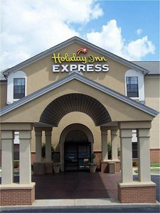 Holiday Inn Express & Suites - Hotels/Accommodations - 4306 E McCain Blvd, North Little Rock, AR, 72117