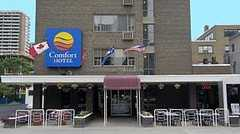 Comfort Hotel Downtown - Hotel - 15 Charles St. E., Toronto, ON, Canada