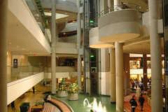 The Westin Bonaventure Hotel & Suites - Hotel - 404 S Figueroa St, Los Angeles, CA, 90071, USA