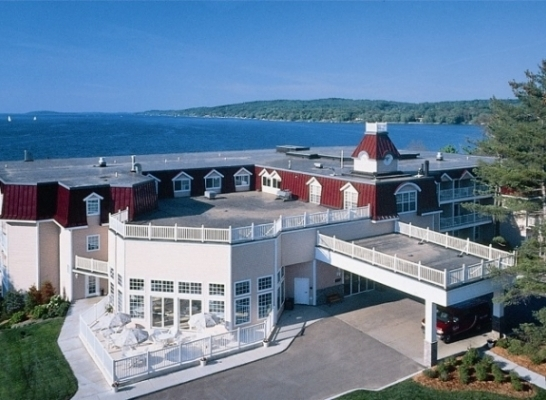 Bayshore Resort - Hotels/Accommodations - 833 E Front St, Traverse City, MI, United States