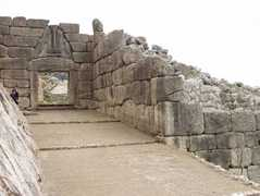 Bronze Age Mycenae - Attraction -
