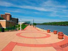 Riverwalk - Attractions -